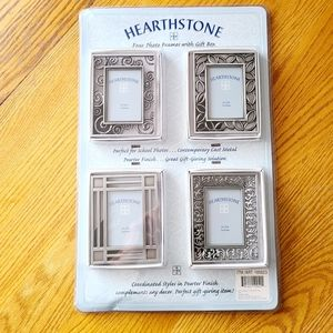 📸 NIP‼️ 4-pack of Silver 2x3 Picture Frames
